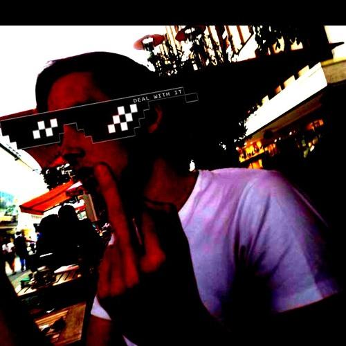 Robin W. :-)'s avatar