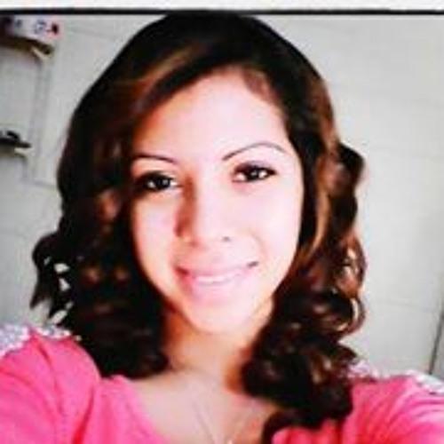 Diana Molina 24's avatar