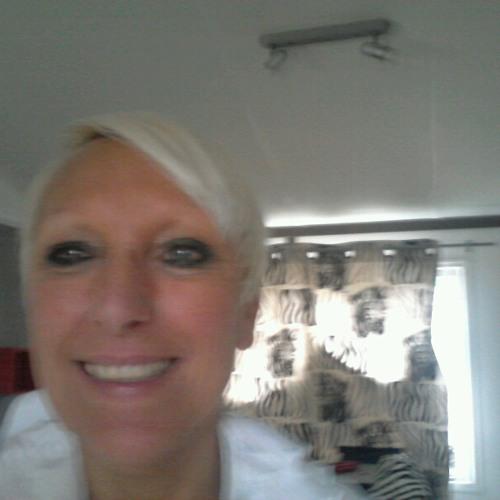 Catherine Larque's avatar