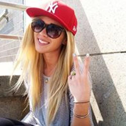 Caitlin Richardson 4's avatar