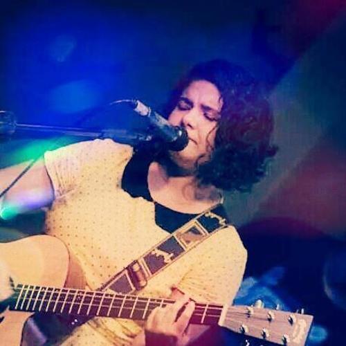 Claris Oliveira's avatar