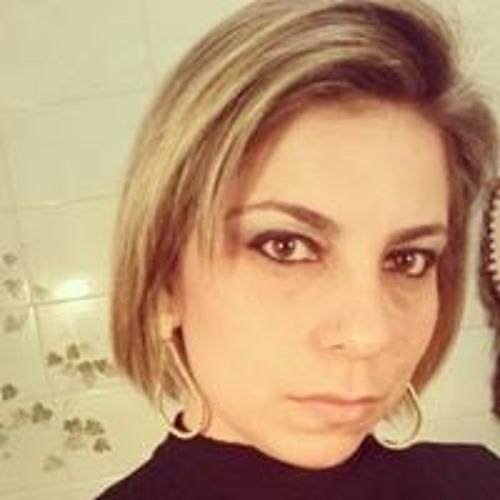 Maria Emília Roquetti's avatar