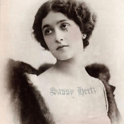 Sassy Hertz's avatar