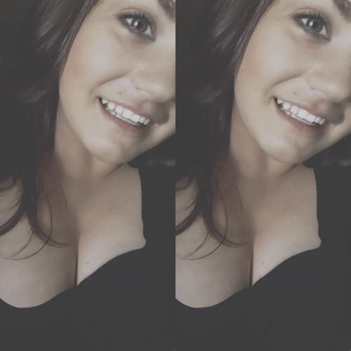 mariah.v's avatar
