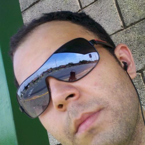 Carlos Heider's avatar