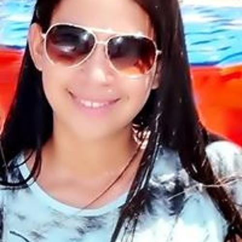 Livia Macedo's avatar