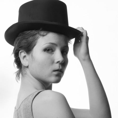 Louisa Lilo's avatar