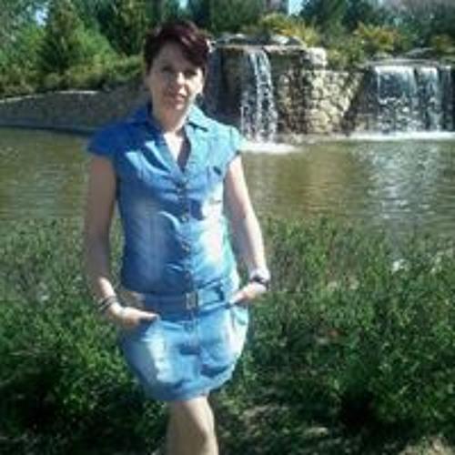 Adriana Maria Csete's avatar