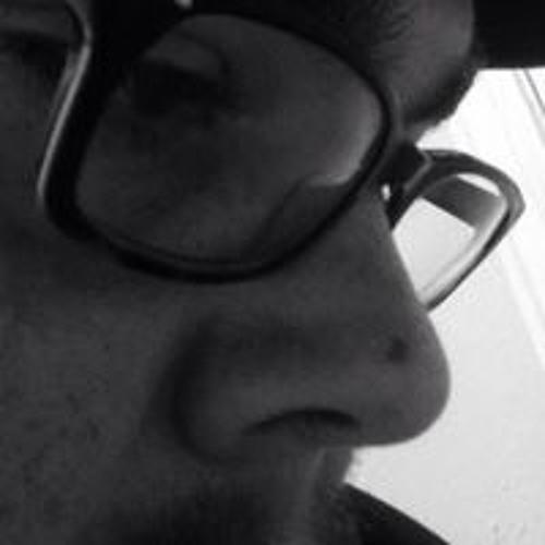 Tomy Yow's avatar