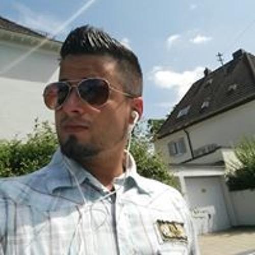 Tobi Farhat's avatar