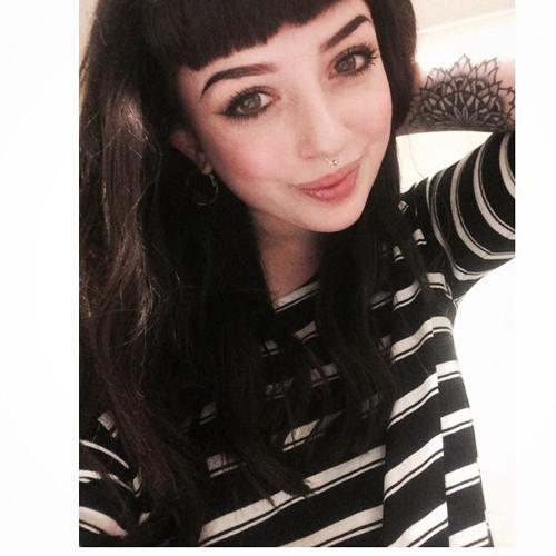 CharlotteLLongdon Music's avatar