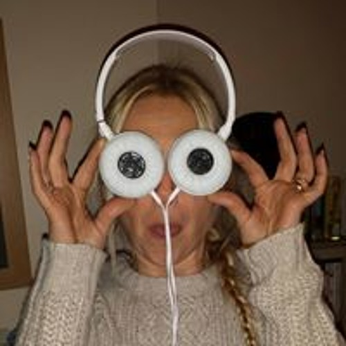 Christi Womersley's avatar