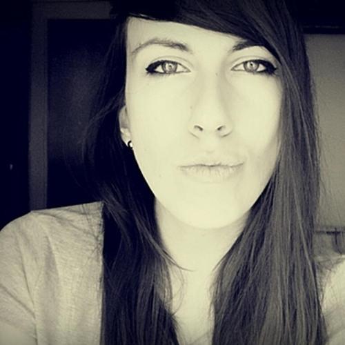Vivienne Ingrid's avatar