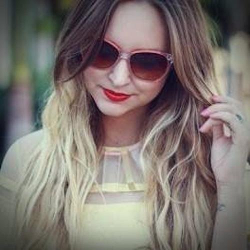 Ivana Jakuscenko - Fisher's avatar