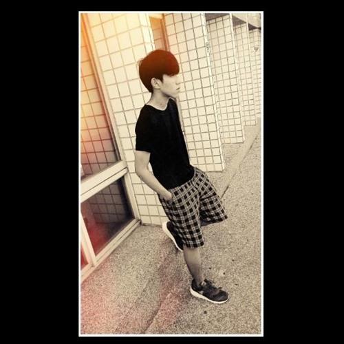 Shiuan Yu Lo's avatar