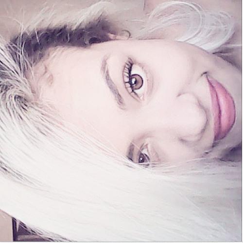 Yvini Lindolfo's avatar