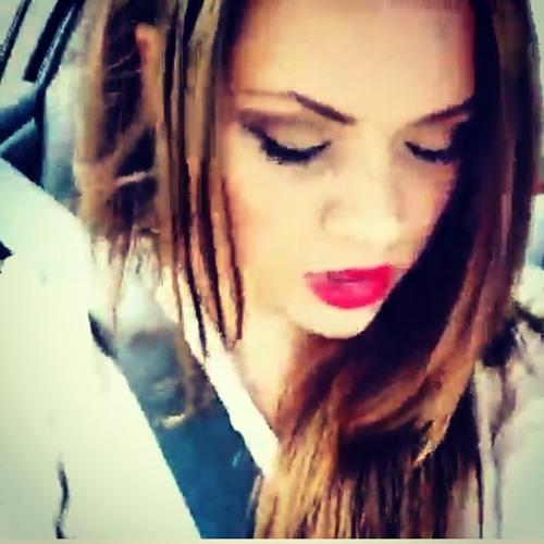 Bella Vandala's avatar