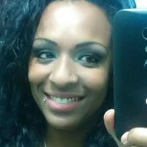 Clarice Pimentel's avatar