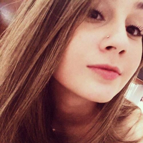 Mariana Fidelis's avatar