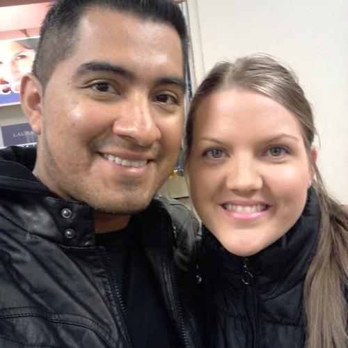 Miguel N Sara Reyes's avatar