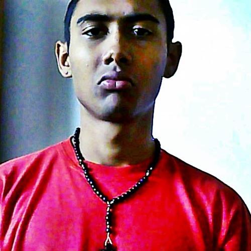 Fee Fernandes ★'s avatar