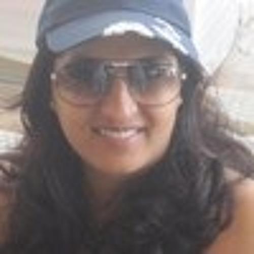 simran lalwani 1's avatar