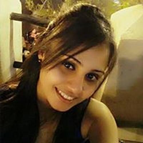 Prachi براجي Desai's avatar