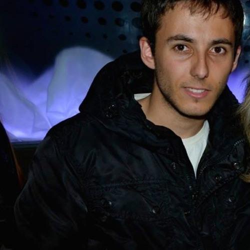 Adrian Uki's avatar