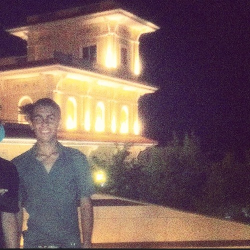 Amin Anvari's avatar
