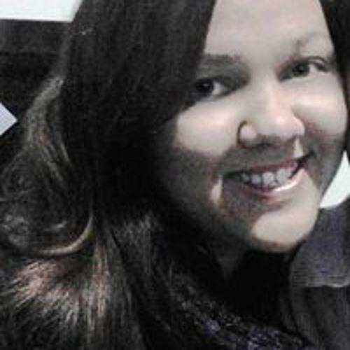 Renata Souza Queiroz's avatar