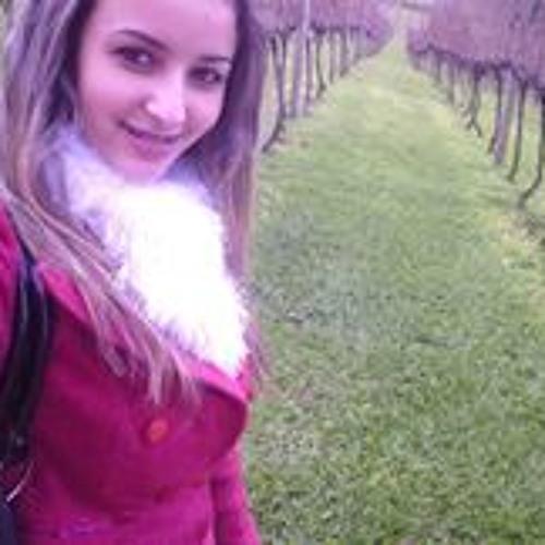 Carla Oliveira 106's avatar
