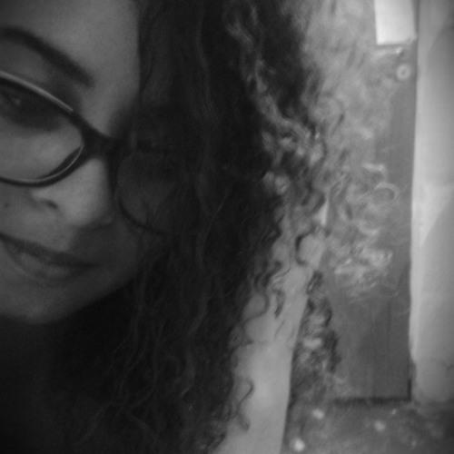 Isabelle Correia's avatar