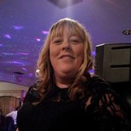 Lorraine Stevenson 3's avatar