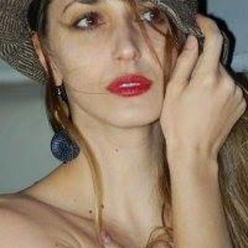 Ariana Moini's avatar