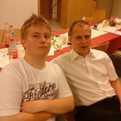 Simon Mahler 3's avatar