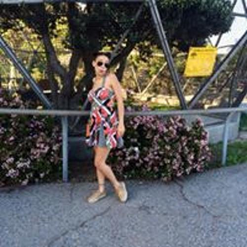 Yasmine Leila Salem's avatar