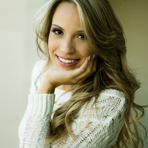 Natasha Ferraz's avatar