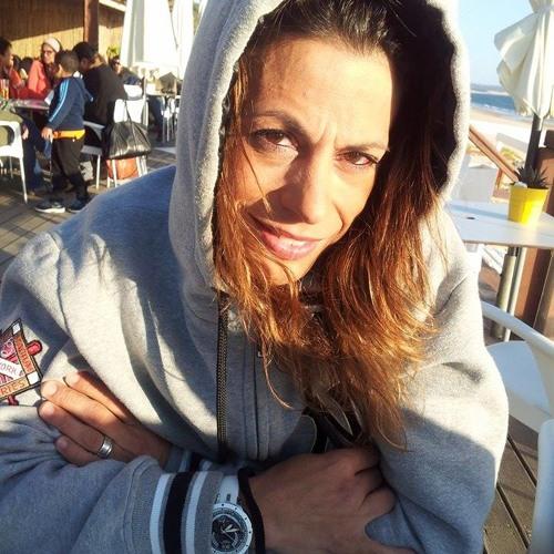 Marta Pereira 11's avatar