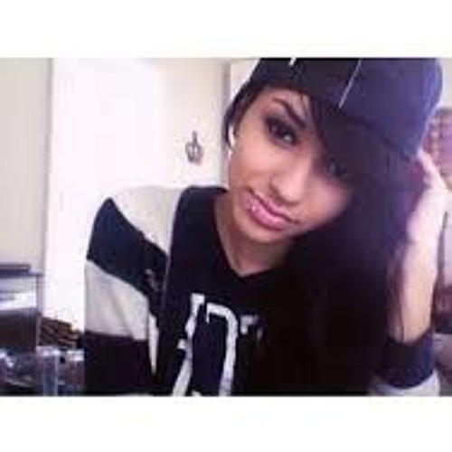 Plur Girl's avatar