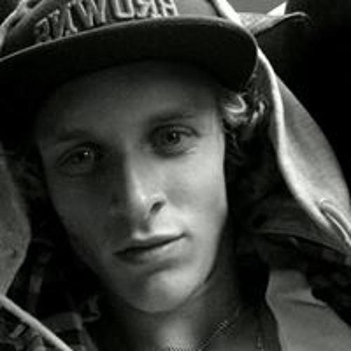 Simon Karlsson 45's avatar