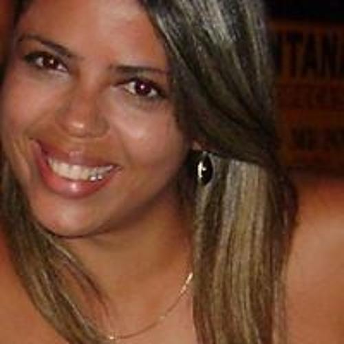 Ly Araujo's avatar