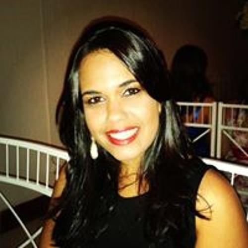 Carol Coutinho 12's avatar