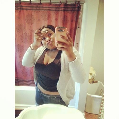 Aniyah Young's avatar