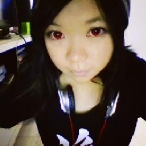 Alynn YingYen Lau's avatar