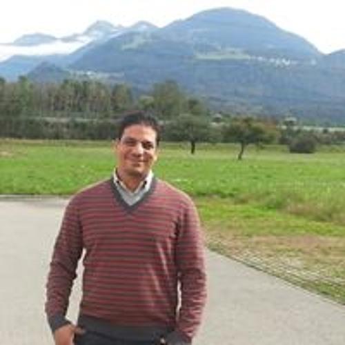 Refaie Ahmed's avatar