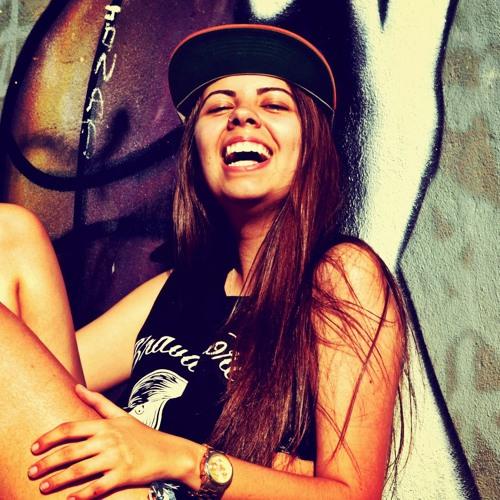 Carolina Muniz Borges's avatar