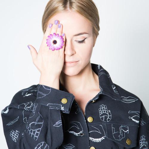 Marie Munroe's avatar