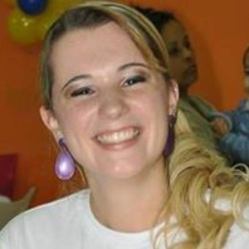Paloma Della Rina Dutra's avatar