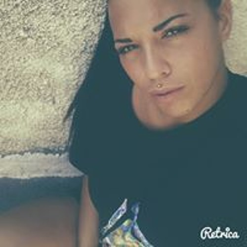 Manuela Valdes's avatar