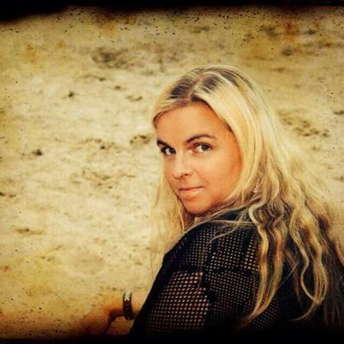 Coleen West's avatar